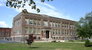 800px-Plymouth's_Third_High_School_Building